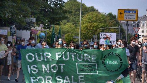 Protest in Frankfurt: Für das Klima, gegen die Banken
