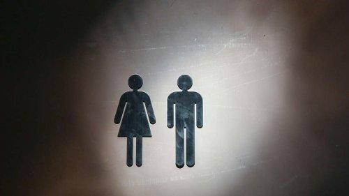 Hamburg: Mädchen sollen mit Jungs auf eine Schul-Toilette