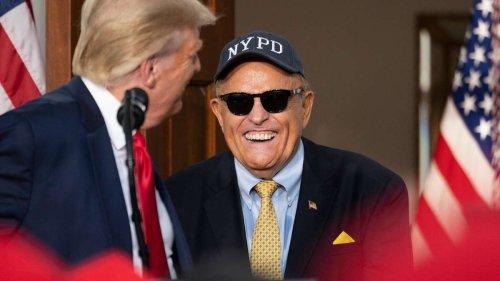 "Rudy Giuliani ""verrückt"" – Donald Trump lästert über ehemaligen Anwalt"