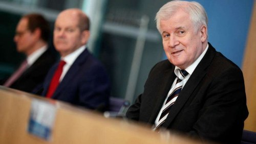 Ampel-Entscheidung zu Migration? Seehofer will neue Regierung kontaktieren - und schießt deftig gegen Habeck