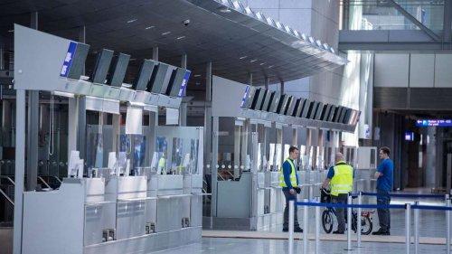 Flughafen Frankfurt: Fraport stellt trotz Kurzarbeit ein