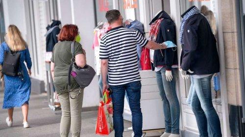 Sorge vor vierter Corona-Welle: Aldi, Lidl, Ikea appellieren an Kunden
