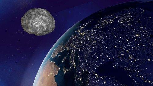 Asteroid Aphosis ändert plötzlich seine Flugbahn – Gefahr vor Erd-Kollision steigt