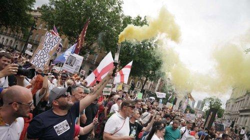 Inzidenz in Großbritannien explodiert – Delta-Variante schwappt nach Europa