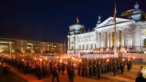 """Codename """"Wolfsrudel"""": Warum der Große Zapfenstreich der Bundeswehr in die Tonne gehört"""