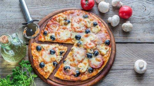 Mit diesem einfachen Trick schmeckt (fast) jede Pizza sofort besser