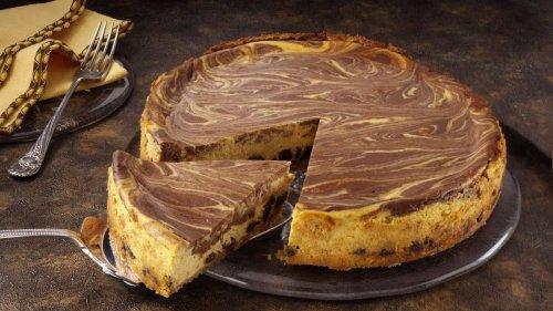 Sie lieben Schwarzwälder Kirschtorte? So machen Sie einen Käsekuchen nach Art des Klassikers