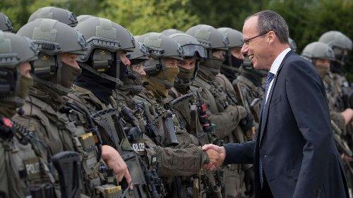 """Polizeiskandal: Opposition sieht """"rechtes Netzwerk"""" in der hessischen Polizei"""