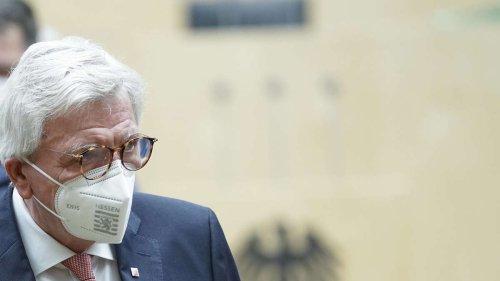 Corona in Hessen: Bouffier will kostenlose Corona-Tests für Ungeimpfte abschaffen