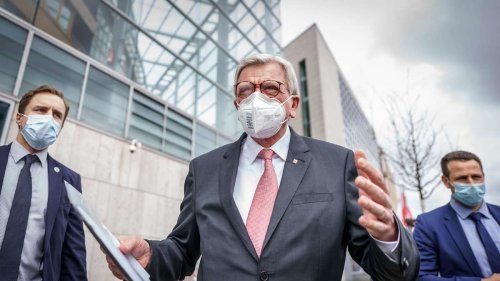Corona in Hessen: Entfällt die Testpflicht in der Innengastronomie? Bouffier äußert sich