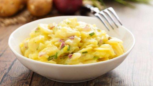 Kennen Sie den 7-Tassen-Salat? Die perfekte Beilage zum Grillen und Genießen