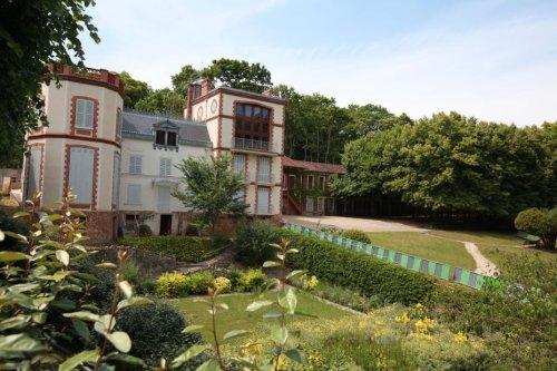 Emmanuel Macron va inaugurer le musée Dreyfus dans la Maison Zola dans les Yvelines