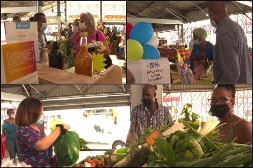 La Poste a lancé les colis du terroir pour soutenir l'activité des marchandes au grand marché de Fort-de-France - Martinique la 1ère