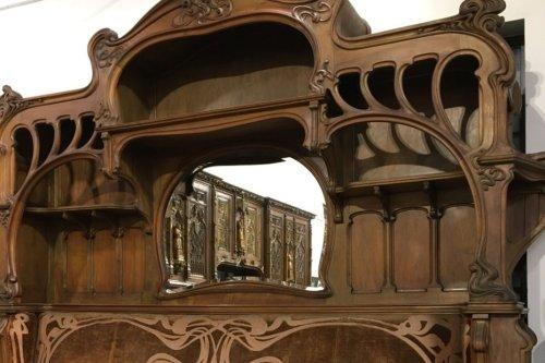 Limoges : une banquette disparue, présentée à l'Exposition Universelle de 1900, refait surface