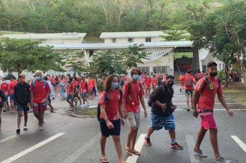 Lycée de Bora Bora : les élèves contents et motivés de reprendre les cours - Polynésie la 1ère
