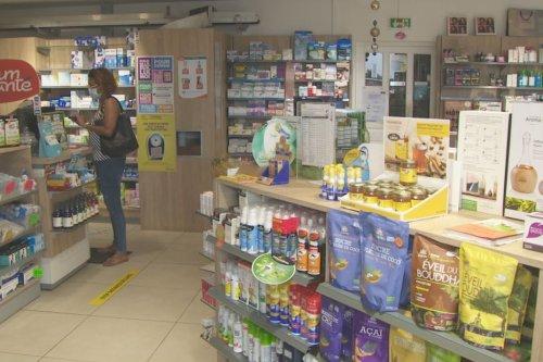 Coronavirus : les pharmaciens chargés de distribuer des bons de vaccination anti-covid - Guyane la 1ère