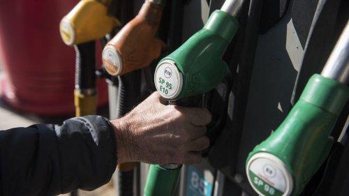 Baril de pétrole, transport, taxes… De quoi se compose le prix d'un plein de carburant ?