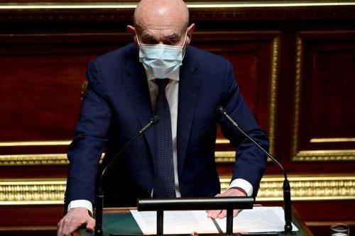 Quand Claude Malhuret, sénateur de l'Allier, s'en prend aux « leaders de pacotille » des anti-vax et des anti-pass