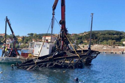 Saint-Raphaël : des déchets emportés par les intempéries sortis de la baie d'Agay