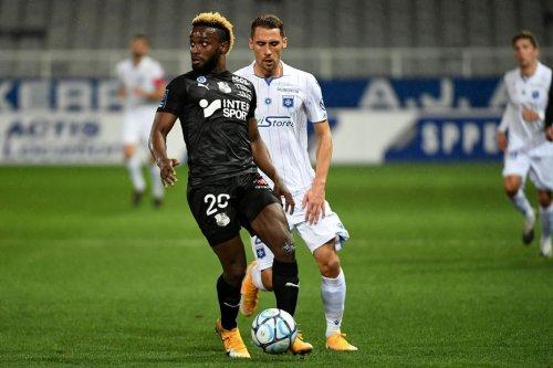 Ligue 2. Pour le premier match de la compétition, l'Amiens SC s'incline à domicile face à Auxerre (1-2)