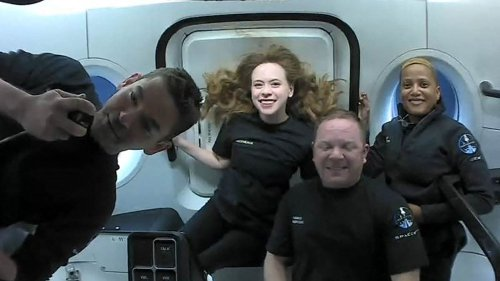 Etats-Unis : les premiers touristes de SpaceX sont de retour sur Terre après trois jours dans l'espace