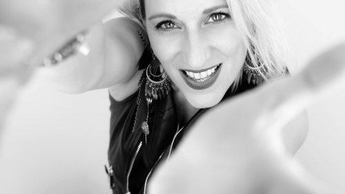 """""""On a envie de passer à une nouvelle étape quand on enregistre un 4e album"""" : la chanteuse Gaëlle Buswel sort """"Your Journey"""""""