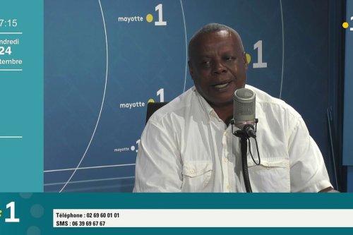 Kamal Attoumani, chauffeur de bus scolaire : « on devrait effectivement acheter des casques pour les conducteurs » - Mayotte la 1ère