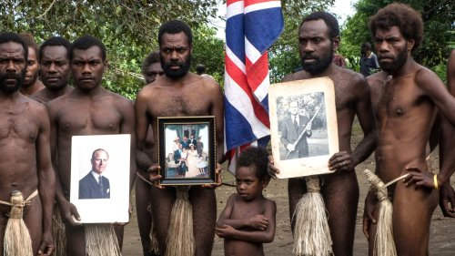 """Obsèques du prince Philip : 100 jours de célébrations au Vanuatu pour honorer """"le fils du dieu de Tanna"""""""