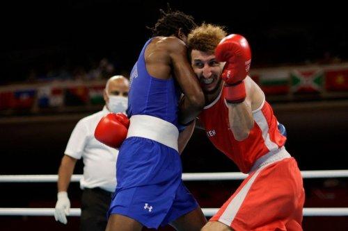 JO 2021 : une décision litigieuse en huitième de finale de boxe prive Sofiane Oumiha d'une nouvelle médaille olympique