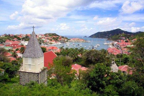 Nouvelles contaminations à l'EHPAD de Gustavia où l'on compte un décès parmi les résidents - Guadeloupe la 1ère