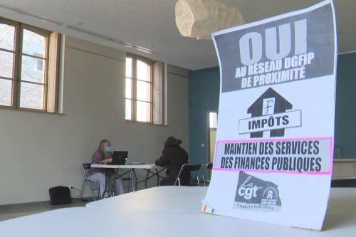 Aude : les syndicats rouvrent la perception des impôts de Capendu pour aider les contribuables et montrer son utilité