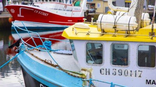"""Licences de pêche : les pêcheurs français """"ne nous envoient pas les preuves"""" demandées, se justifie un ministre de Jersey"""