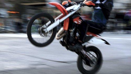 Clermont-Ferrand : une femme de 81 ans meurt après avoir été percutée par une motocross, deux individus recherchés
