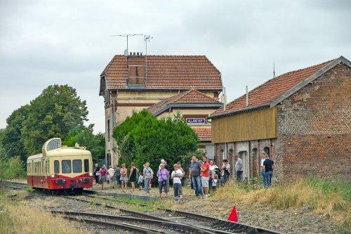 Ardennes : des passionnés proposent des escapades touristiques, en autorails historiques