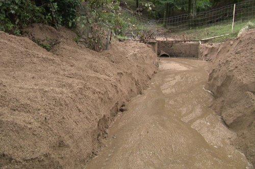 Pyrénées-Orientales : les coulées de boue à répétition sèment la discorde au sein du hameau de Las Illas