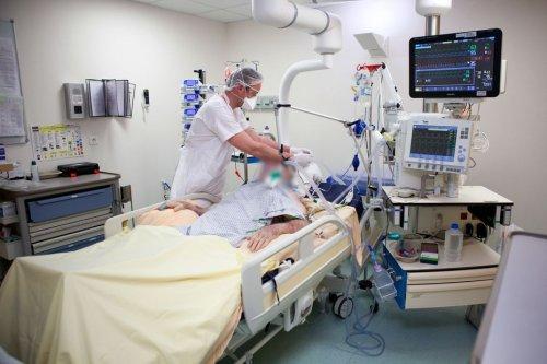 Covid-19 en Bretagne : le nombre de patients hospitalisés recommence à monter