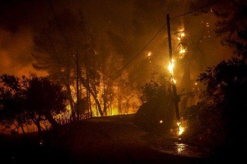 Grèce : des sapeurs-pompiers spécialisés de Savoie, d'Isère, de Drôme et d'Ardèche en renfort sur le front des incendies