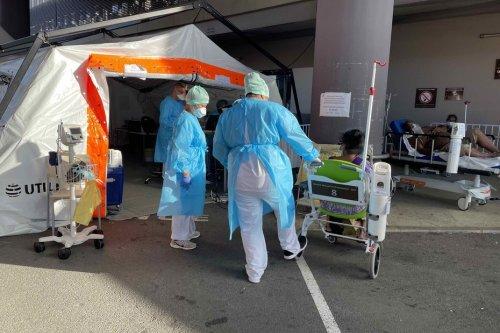 """Covid-19 : """"L'hôpital est archisaturé"""", dit le coordinateur du dispositif au Médipôle - Nouvelle-Calédonie la 1ère"""