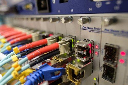 Des techniciens de France en renfort pour réparer le réseau téléphonique d'Orange Martinique - Martinique la 1ère