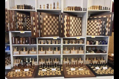"""Confinement : les jeux d'échecs en rupture de stock à Paris à cause du """"Jeu de la dame"""""""