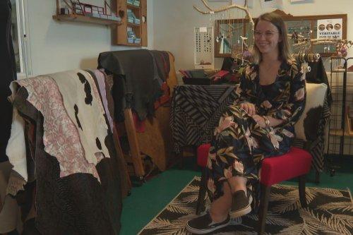 La jeune créatrice Esther Dutin et Chéri'K créations collaborent cet été - Saint-Pierre et Miquelon la 1ère