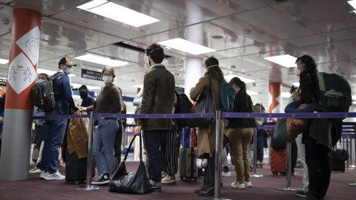 VRAI OU FAKE. Covid-19 : le placement en quarantaine des voyageurs arrivant de pays à risque est-il systématiquement contrôlé ?
