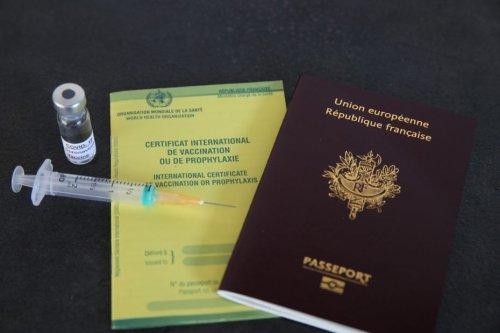 #OnVousRépond : vacciné, suis-je dispensé du test PCR pour voyager ?