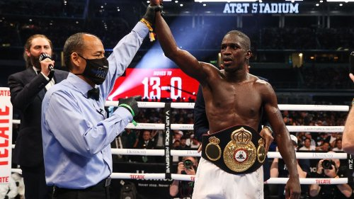 Boxe : Souleymane Cissokho ravit le titre WBA des super-welters devant une foule de 70 000 personnes