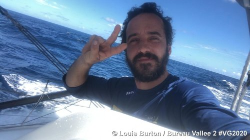 Vendée Globe : la remontada de Louis Burton, qui joue la gagne après avoir frôlé l'abandon