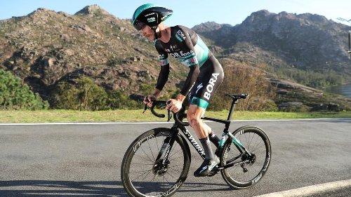 Tour des Alpes : Simon Yates sacré, Félix Großschartner s'impose sur la dernière étape