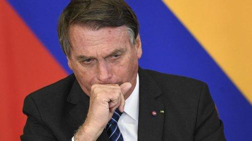 Covid-19 : au Brésil, des sénateurs demandent l'inculpation du président Jair Bolsonaro pour 10 crimes