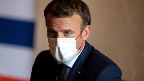 """La quatrième vague du Covid-19, épine dans le pied d'Emmanuel Macron pour la fin de son quinquennat : """"Le tunnel est encore là"""""""
