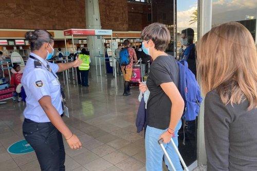 Londres supprime la quarantaine pour les voyageurs vaccinés de l'Hexagone, et place La Réunion et Mayotte sur liste rouge - Outre-mer la 1ère