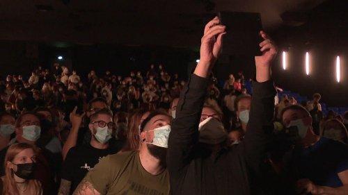 """Un fan de """"Kaamelott"""" entre au Guinness World Record en allant voir le film 203 fois"""